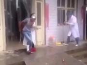"""Video Clip Cười - Clip hài: Bệnh nhân """"nhọ"""" nhất quả đất"""