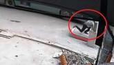 Vụ đón xe buýt lọt hố ga: Có thể truy cứu trách nhiệm hình sự
