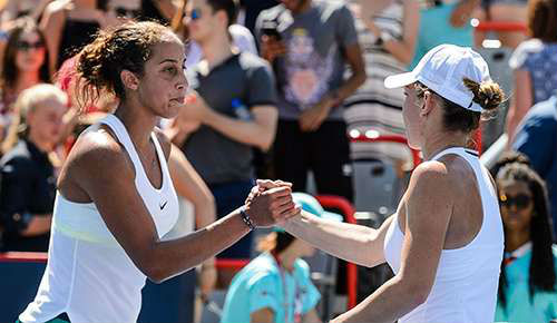 WTA Finals ngày 1: Halep, Kerber thắng trận ra quân - 6