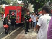 Tin tức trong ngày - Hà Nội: Cháy lớn ngay dưới nhà nghệ sỹ Chiều Xuân