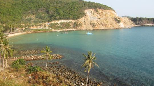 Những ngày đi trốn trên đảo Nam Du - 5