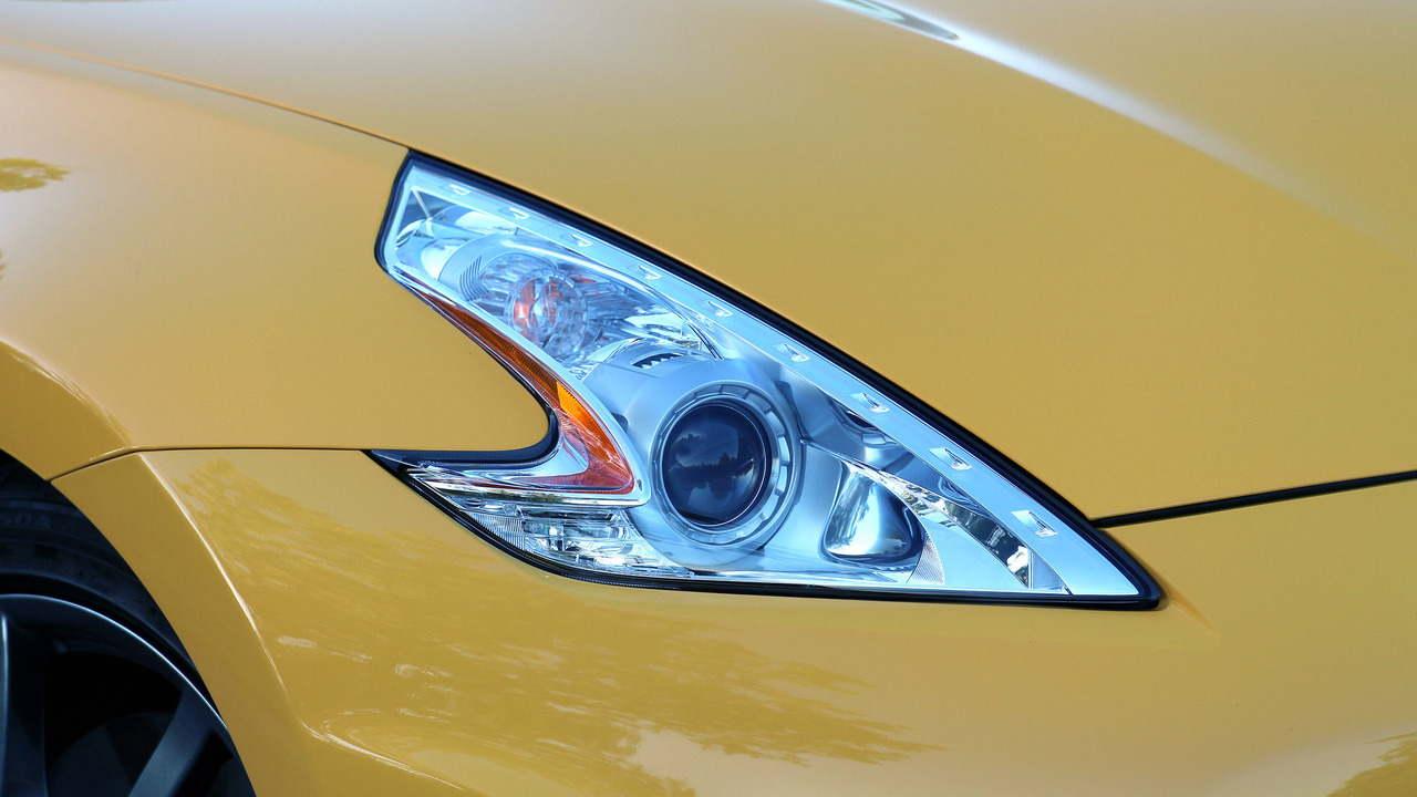 Đánh giá xe Nissan 370Z Roadster 2017