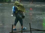 Tin tức trong ngày - Đầu tuần, mưa dông bao trùm khắp 3 miền