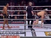 Thể thao - MMA, phẫn nộ trọng tài: Võ sĩ gần ngất vẫn bắt đấu