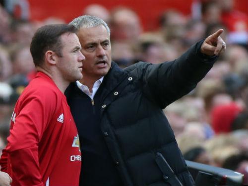 Sốc: Mourinho chơi bài ngửa, khuyên Rooney rời MU