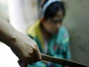 An ninh Xã hội - Chém đứt lìa tay vợ trước sân tòa
