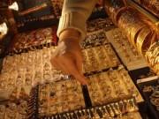 Tài chính - Bất động sản - Giá vàng mới nhất sáng nay 26/10: Tiếp tục tăng mạnh