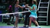"""WTA Finals ngày 4: """"Hoa khôi"""" lâm nguy, hết đường lùi"""