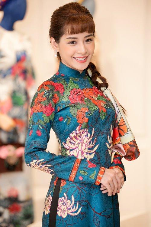 Dàn mỹ nhân Việt 'đẹp quên lối về' với áo dài cách tân - 2