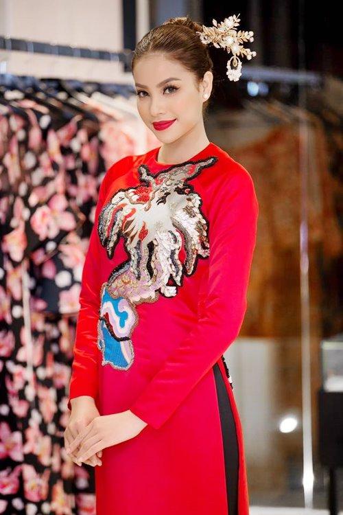 Dàn mỹ nhân Việt 'đẹp quên lối về' với áo dài cách tân - 1