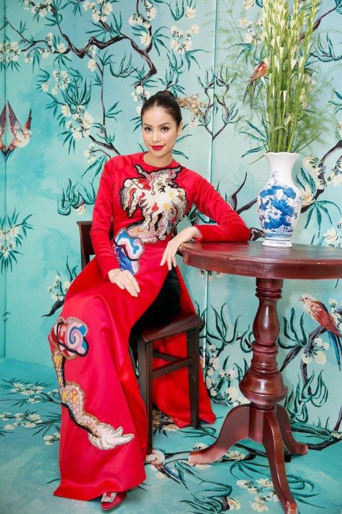 Dàn mỹ nhân Việt 'đẹp quên lối về' với áo dài cách tân - 5