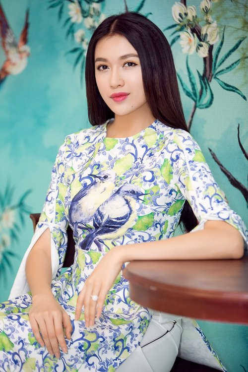 Dàn mỹ nhân Việt 'đẹp quên lối về' với áo dài cách tân - 9