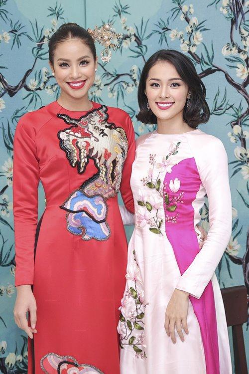 Dàn mỹ nhân Việt 'đẹp quên lối về' với áo dài cách tân - 4