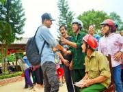 Đời sống Showbiz - MC Phan Anh công khai số tiền từ thiện tại miền Trung