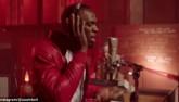 Usain Bolt trổ tài ca hát khiến fan bất ngờ