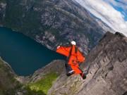 Thể thao - Chạm mặt tử thần: Thả mình từ đỉnh núi, dậy trong... viện