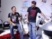 """Thế giới xe - Gặp 2 phượt thủ """"cưỡi"""" xe máy từ Paris tới TP.HCM"""