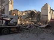 Động đất mạnh rung chuyển Italia, hàng loạt nhà đổ sập