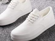 Thời trang - Thêm 2 cách tẩy trắng giày cực nhanh không cần giặt