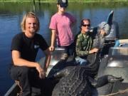 Thế giới - Bắt được cá sấu khổng lồ dài 4m ở Mỹ