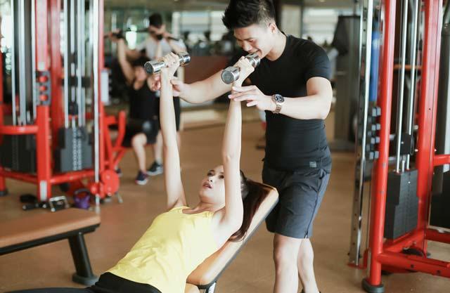 Ngắm chân dài Ngọc Châu gợi cảm tập gym - 8