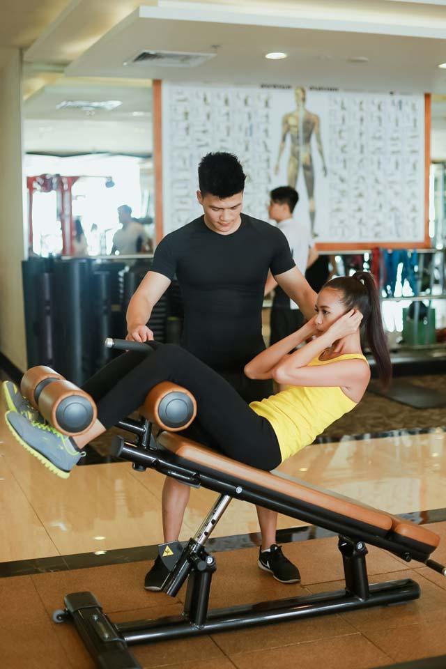 Ngắm chân dài Ngọc Châu gợi cảm tập gym - 15