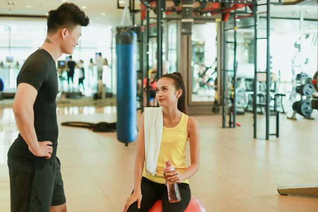 Ngắm chân dài Ngọc Châu gợi cảm tập gym - 17