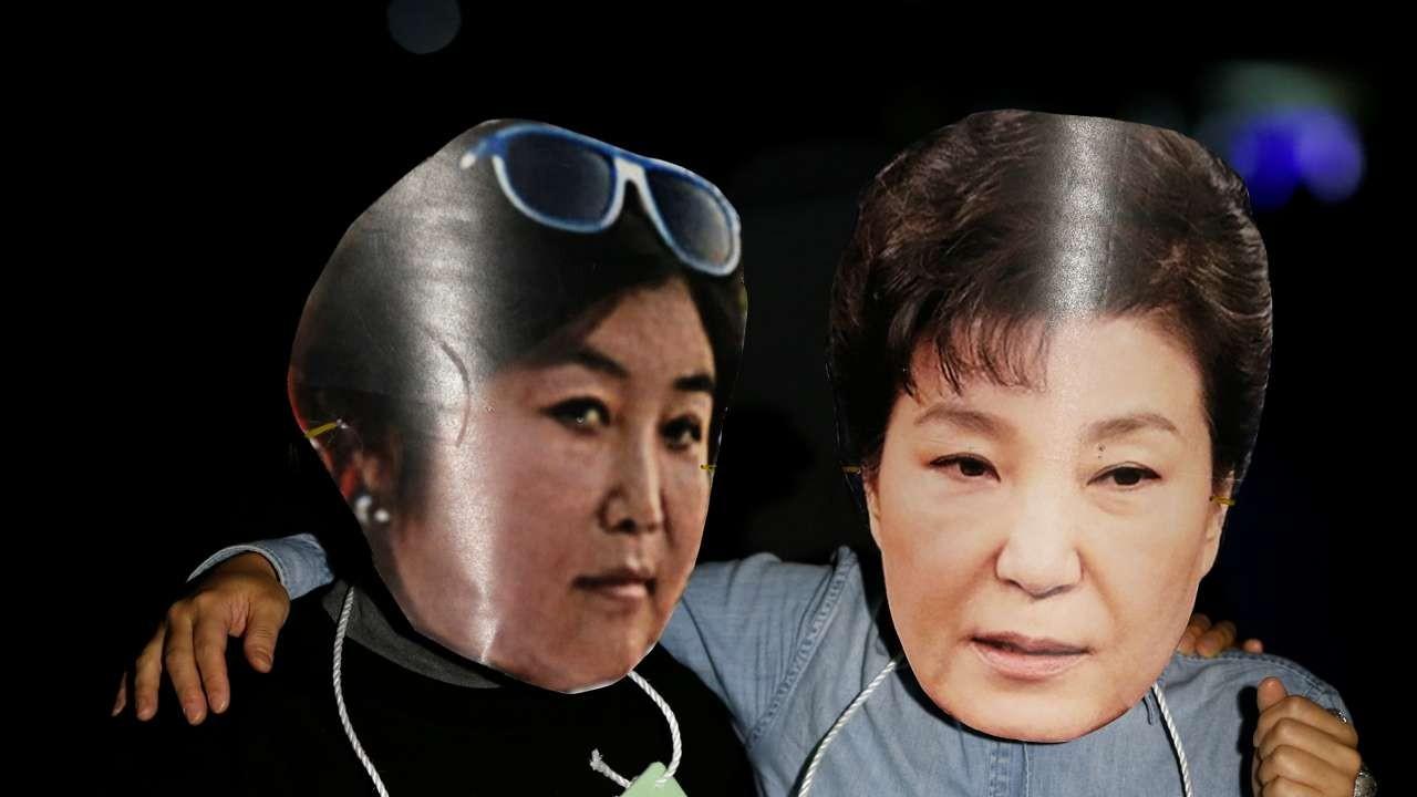 """""""Người chị em"""" bí ẩn điều khiển Tổng thống Hàn Quốc - 1"""
