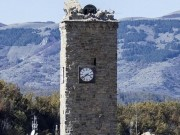 Thế giới - Tháp đồng hồ Ý 700 tuổi trụ vững qua 2 trận động đất mạnh