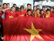 """Bóng đá - U19 Việt Nam với kỳ tích World Cup """"đại náo"""" Tân Sơn Nhất"""