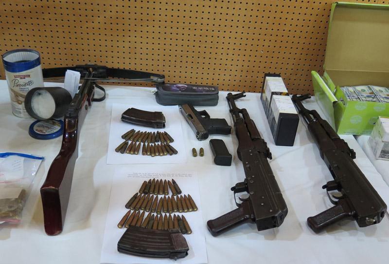 """Dàn vũ khí """"nóng"""" trong vụ bắn chết nhân viên nhà nghỉ ở Hà Nội"""