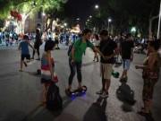 Tin tức trong ngày - Du khách bất an vì xe điện cân bằng gây họa ở phố đi bộ