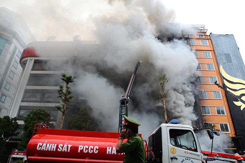 Giám đốc Cảnh sát PCCC TP.HCM nói về kỹ năng sinh tồn trong đám cháy - 1