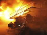 Bạn trẻ - Cuộc sống - Cách thoát hiểm nhanh lẹ khi bị cháy ở nhà cao tầng