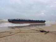 Tàu đứt dây neo, 3 ngư dân kêu cứu giữa biển