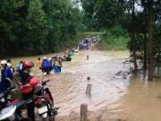Tin tức trong ngày - 17 người thương vong do mưa lũ ở miền Trung