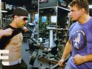 Thể thao - UFC: Xin đòn võ sĩ hạng nặng, gã trai 6 múi không hề hấn