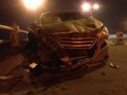 Tin tức trong ngày - HN: Ô tô mất lái, húc nam SV văng khỏi cầu Thanh Trì