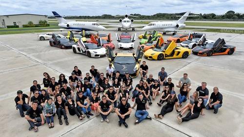 Gia Lai Team khoe dàn siêu xe Lamborghini khủng trên đất Mỹ