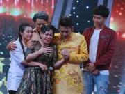 Phim - Việt Hương khóc như mưa trên truyền hình khi nhắc đến cha