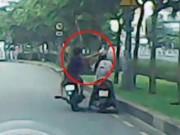 An ninh Xã hội - Clip: Những pha cướp giật điện thoại táo tợn trên phố
