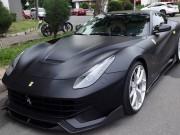 """Cường Đô la  """" lột xác """"  Ferrari F12 Berlinetta sang màu đen nhám"""