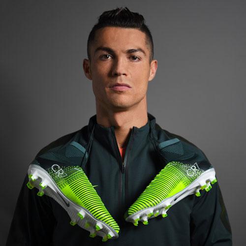 HLV xuất sắc nhất FIFA: Ronaldo bỏ Zidane, chọn Santos