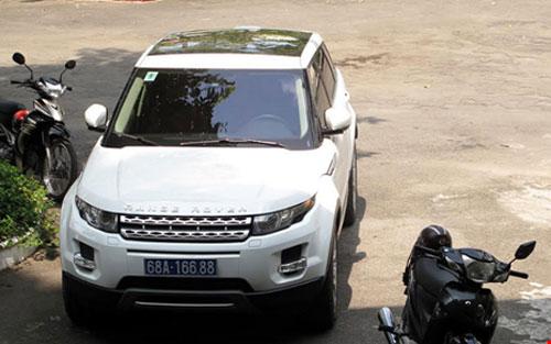 Công an Kiên Giang thông tin việc cho UBND tỉnh mượn xe