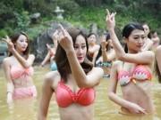 Bạn trẻ - Cuộc sống - Sửng sốt ảnh yoga cực độc của các thiếu nữ xứ lạnh