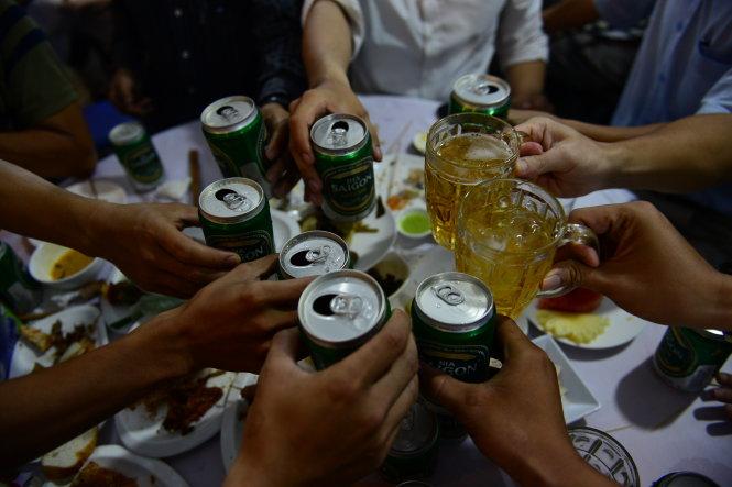 Học sinh uống rượu: Những con số giật mình - 1