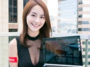 """Thời trang Hi-tech - """"Tròn mắt"""" trước người đẹp diện áo xuyên thấu bên laptop"""