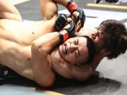 """Thể thao - """"Độc cô cầu bại"""" MMA: 15 trận, 9 lần khóa cổ đối thủ"""