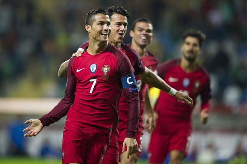 """Bồ Đào Nha – Latvia: """"Quả bộc phá"""" Ronaldo - 1"""