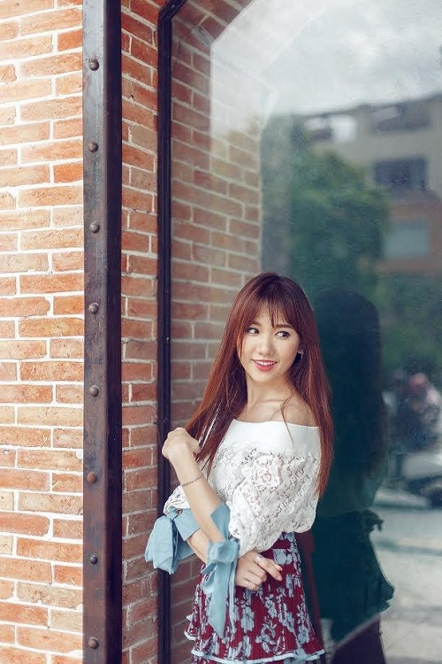 Hari Won vai trần đẹp mộng mơ trên phố - 8